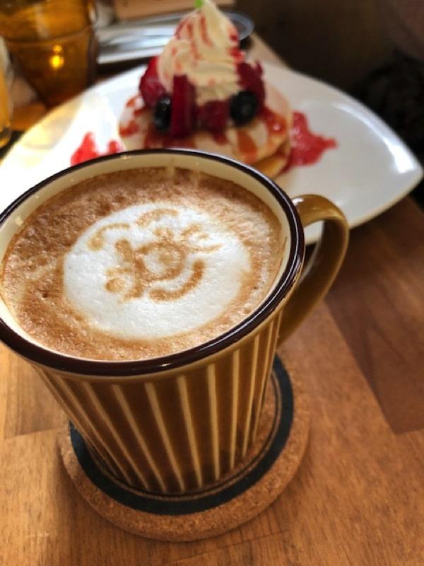 エモンズシュシュのカフェラテ